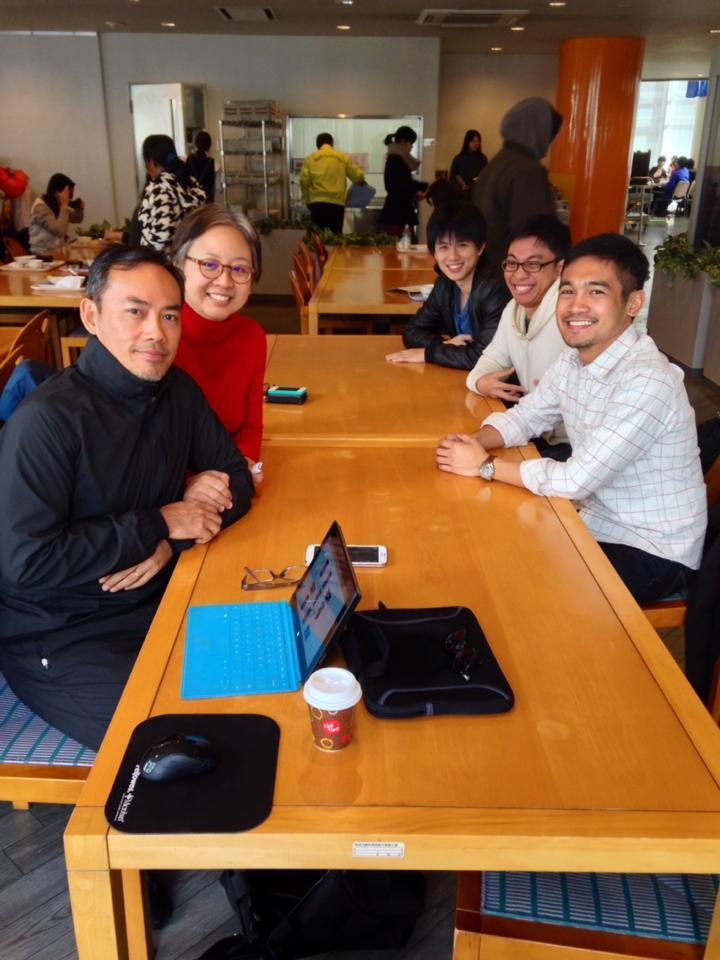 Reg (Prof. Rodrigo's husband), Prof. Rodrigo, Michael (Ito-ken), Enzo (Yokoya-ken), Me chatting at the NAIST cafeteria